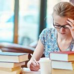 自宅で集中できないときは、集中できる場所で勉強する